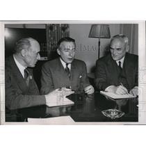 1944 Press Photo Viscount Swinton, Adolf Berle, Jr. and C.D. Howe
