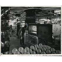 Press Photo Light bulbs in oven test at GE labs in Cleveland Ohio