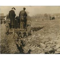 1917 Press Photo Farm Tractor