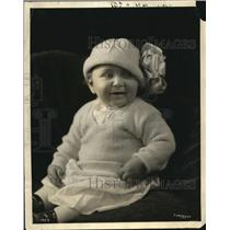1923 Press Photo Manhattan Prize baby poses at the silk show