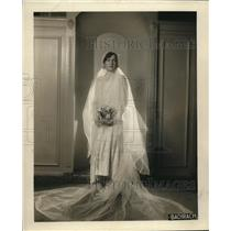 1928 Press Photo Long sleeved gown for fashionable brides