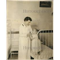 1923 Press Photo Little tot at the Salvation Army Nursery & Social Settlement