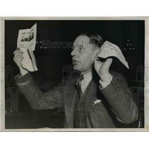 1938 Press Photo John E. Ferguson Waving Pamphlets During Testimony