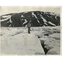 1930 Press Photo An Eskimo at the Cape Hope's Advance Hudson Straits