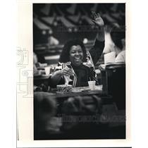 1985 Press Photo Anita Collins wins a Bingo game at the Rollerdome in Euclid