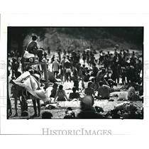 1983 Press Photo Crowd at Edgewater Park Freedom Festival
