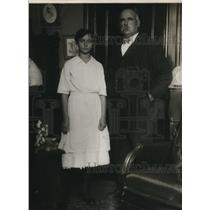1919 Press Photo Eva Tice and Judge Decker