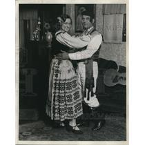 1929 Press Photo Croatian Couple in Traditional Costume / Dress