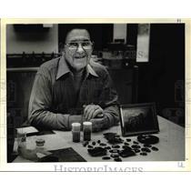 1979 Press Photo Enamelist Charles Lane specializes in western scenes - ora46387