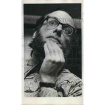 1973 Press Photo Robert Davies, assistant professor of English