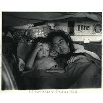 1979 Press Photo Lois Hartley With Son David Live In Pickup Camper - ora32972