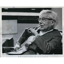 1973 Press Photo Reed Professor Dorothy Johansen Writing History Of The College