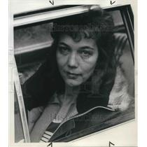 1973 Press Photo Evelyn Christensen asked about about the propriety if rationing