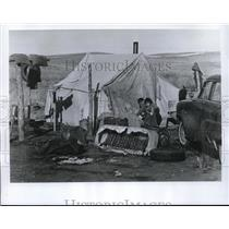 1969 Press Photo William Good Voice Elks's Indian Family of eight lives in tent