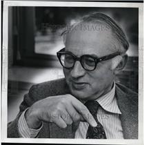 1974 Press Photo Joseph Katz on learning and companionship with fellow students