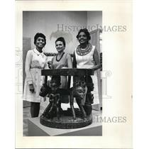 1970 Press Photo Mrs Samuel Brown Jr, Mrs Byron Ferris & Mrs Richard Bogle