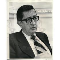 1973 Press Photo Professor Jim Hart PSU College - ora31528