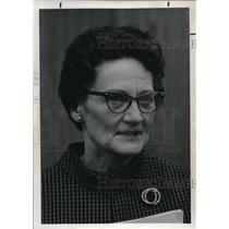 1974 Press Photo Jule Crume, director of curriculum for Cottage Grove School