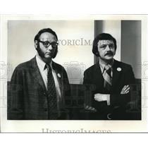1973 Press Photo Fred Ensman(left) & Dick Johnson, Evergreen School District stk