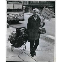 1974 Press Photo Lettie M. Jenks 65 begins her walk to Washington from Cleveland