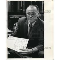 1972 Press Photo School Supt. Edward E. Hill on Student Scheduling - ora34629