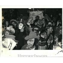 1989 Press Photo Boo Ball at Union Station, Halloween fund raiser KBOO radio