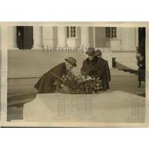 "1922 Press Photo ""Tiger "" of France George Clemenecau wreath of unknown soldier"