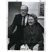 1069 Press Photo Rev Myron Cole and his wife
