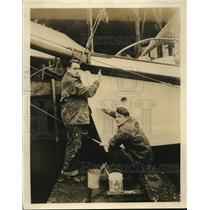 1929 Press Photo Dan C. Blum and Stephen Miranda working on their yacht, Nomad