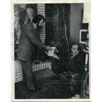 1974 Press Photo Harry Coffield (right) & (L) John Kazonjian decorating options
