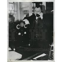 1933 Press Photo Piedmont Calif Police radio system at broadcast station