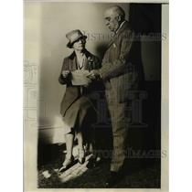 1927 Press Photo of Mrs Florence Knapp and her attorney Alexander Otis.