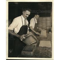 1929 Press Photo Workers Assembling Kyle Condenser Speaker