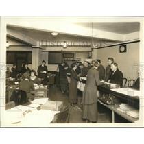 1919 Press Photo War Risk Insurance info service counter