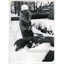 1976 Press Photo Mary Rose Oakar with her landmark stone