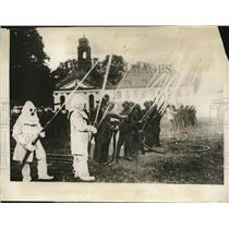 1929 Press Photo London fire fighters demo new method to Prince of Wales