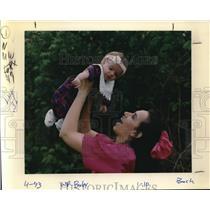 1993 Press Photo Tannie Rae Ann Burlingame & her parents