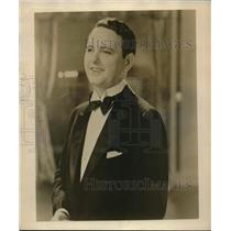 1929 Press Photo Donald Brian musical comedy star on CBS