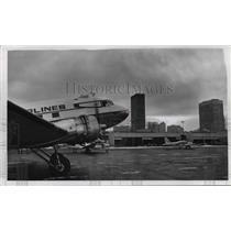 1968 Press Photo Burke Dowtown Airport Ohio