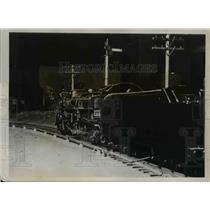 1938 Press Photo A locomotive model of Milwaukee Union trains at terminal