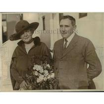 1922 Press Photo Mr. and Mrs. H. A. Metz