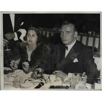 1935 Press Photo Miss Mary Dunn and Mr. Frank Redoke at a party at the Savoy