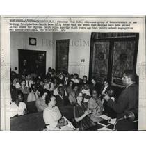 1962 Press Photo Englewood NJ Atty Paul Zuber & demonstrators at Presb Church