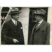 1929 Press Photo of Thomas Needham (L) and Leon Brooks.