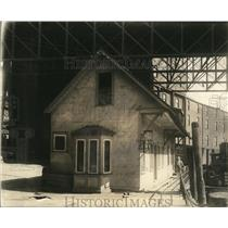 1914 Press Photo Fire Station No.15 Under Old Viaduct
