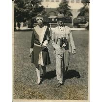 1927 Press Photo Mr & Mrs sA l Davis at Belmont Parl