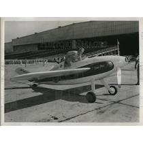 1947 Press Photo Pilot Paul Penrose in Midget Plane Cockpit, Cleveland Ohio