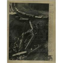 1948 Press Photo Wrecked Cars of the Red Arrow - nee03318