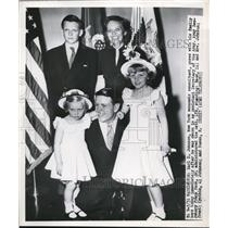 1950 Press Photo Army Secretary Earl D. Johnson & Family