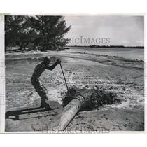 1949 Press Photo Mud and sand being pumped into island in Biscayne Bay Florida